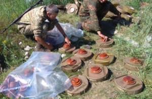 На Донбассе продолжается (противотанковое) минирование