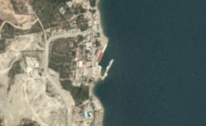 В Индонезии цунами разрушило причальный комплекс для подводных лодок