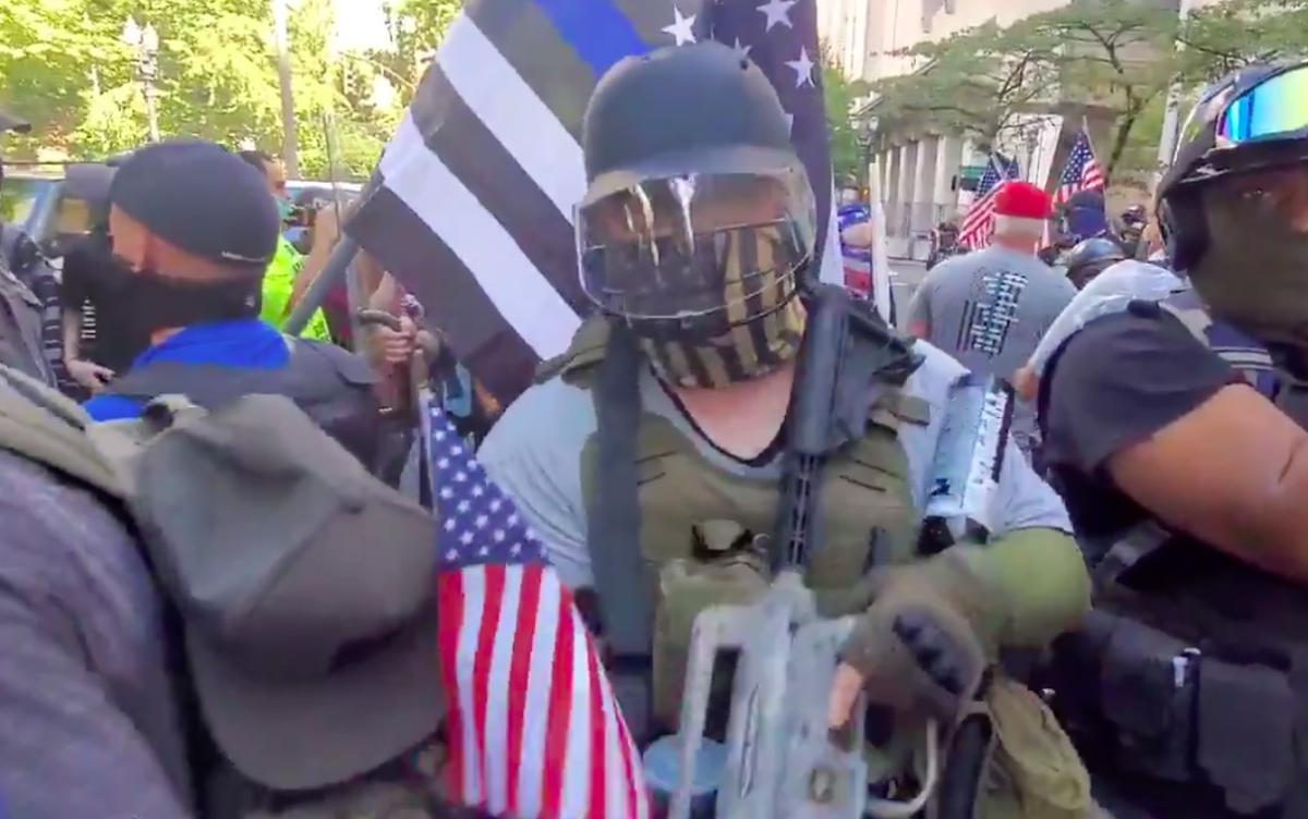 «Коалиция патриотов»: слив переписки о планах ультраправой группировки устроить насилие в Портленде
